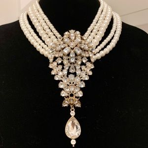 Statement Necklace Pearl and Gem